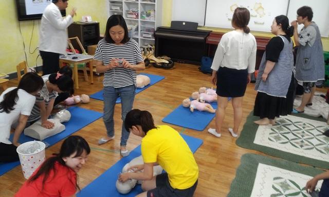 보육교사 심폐소생술 및 응급처치 교육 (2).jpg
